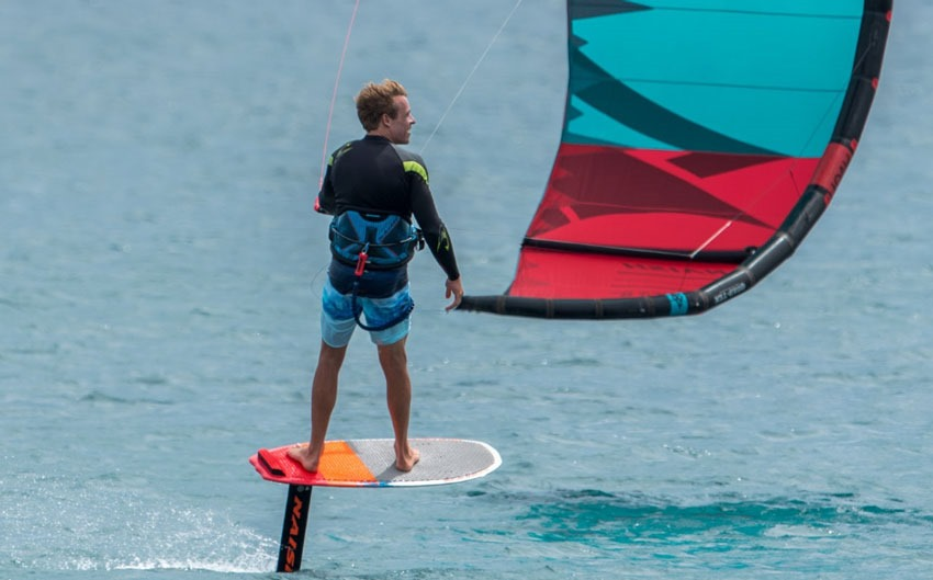 Naish Thrust kite 2019 foil